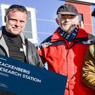 Grønlandsk forskningsstation indviet med piskesmæld